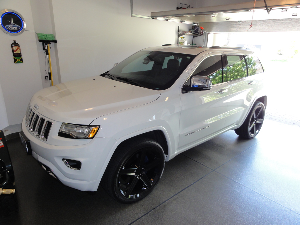 photo 3 Jeep Grand Cherokee custom wheels FR  22x10.0, ET , tire size 305/35 R22. x ET